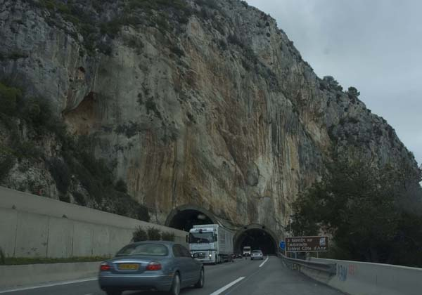 Autostrada A10- maintenance work taking place on one of the tunnel therefore the two way lane