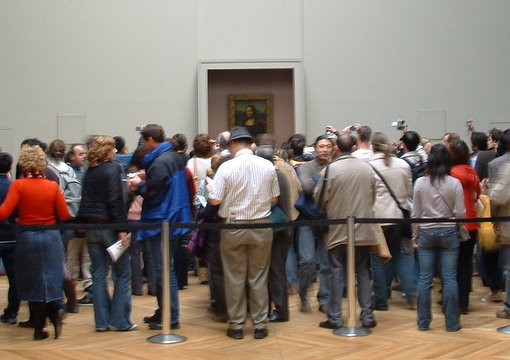 Crowd at Monalisa