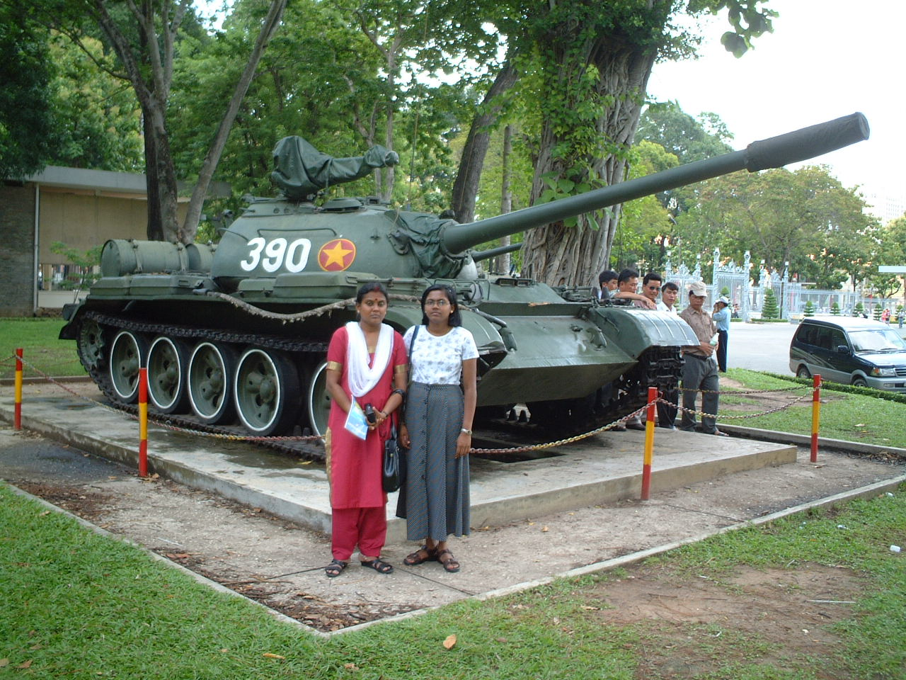 One Of The Tanks That Entered The Presidential Palace Complex To Drive Away The Americans