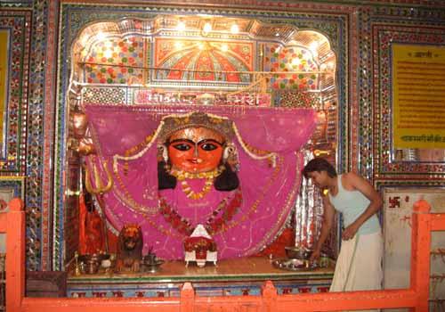 Shakambari Temple, Deity