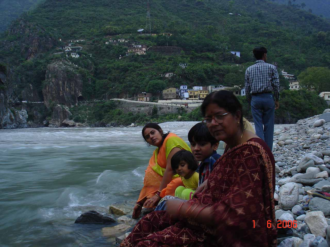 AT Karnprayag-note the colours