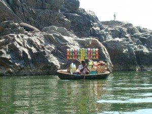 snacks-n-boat
