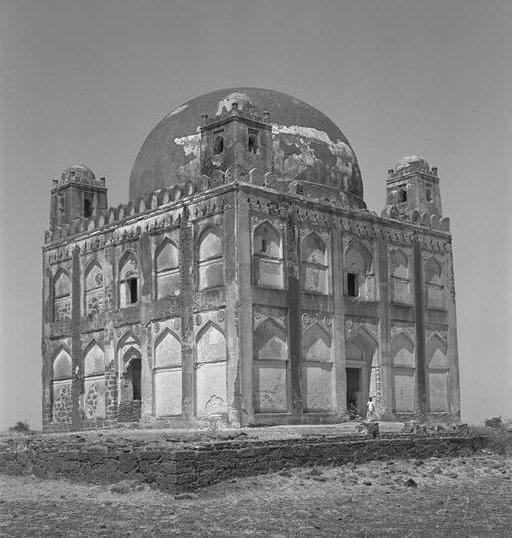 Source: Survey of Gulbarga's Islamic Architecture