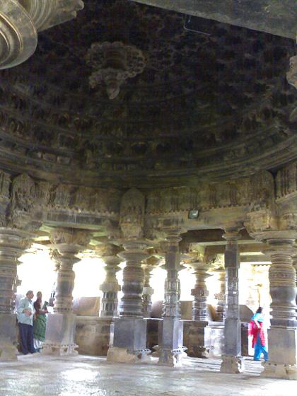 The domical ceiling at Tarakeshwara Temple. Source: Wikipedia