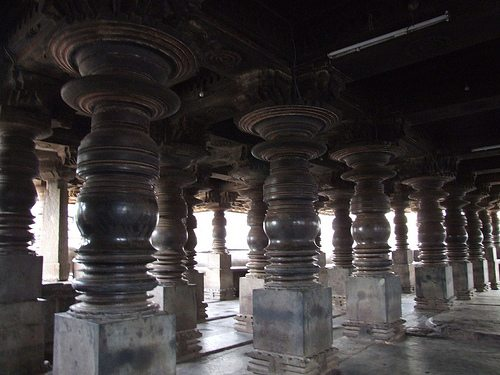 Lathe-turned pillars at Harihareshwara Temple. Source: geekykitty@flickr