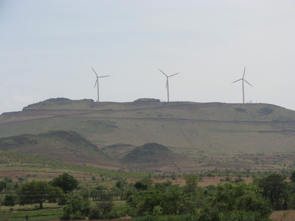 windmills-off-nh4-may-2009-098