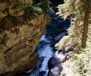 falls-at-johnstones-canyon