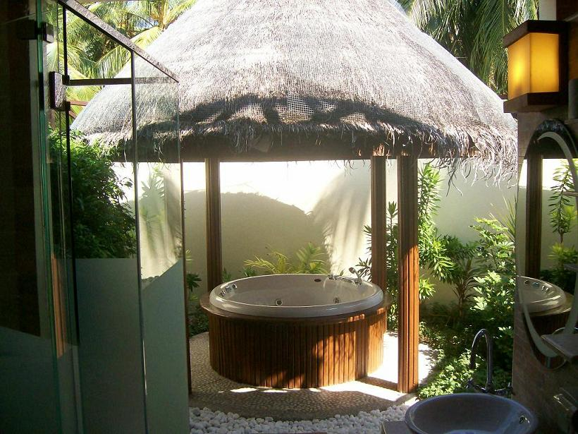 Beach Villa with open air Jacuzzi