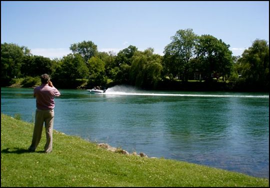 on-the-banks-of-the-niagara-river_opt