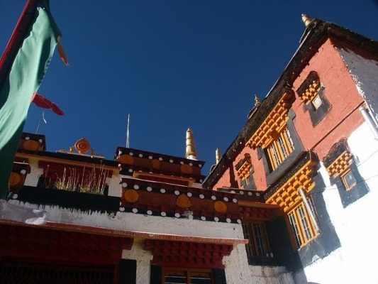 Ki monastery. Source: fotopedia.