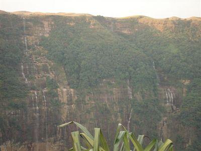 Nohsngithiang fall