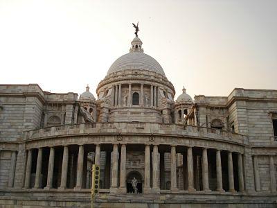 Victoria Memorial - left  side view