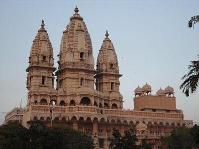 Chhattarpur temple