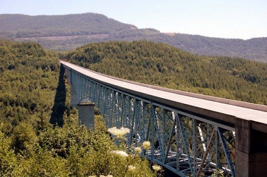 The bridge that was built after the eruption