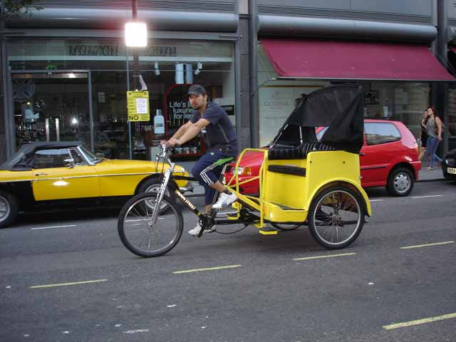 Pic 10 - 5 Minute Walk - London Rickshaw