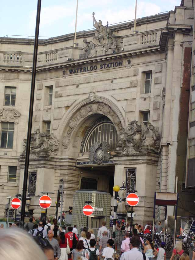 Pic 9 - Waterloo Station