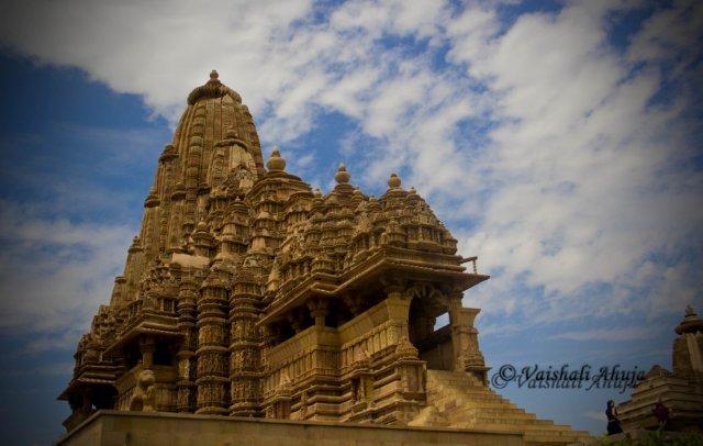 Kandhariya Mahadeo Temple, Khajuraho