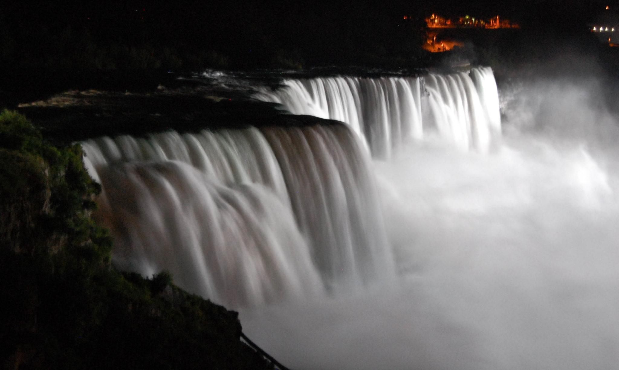 Niagara by the night