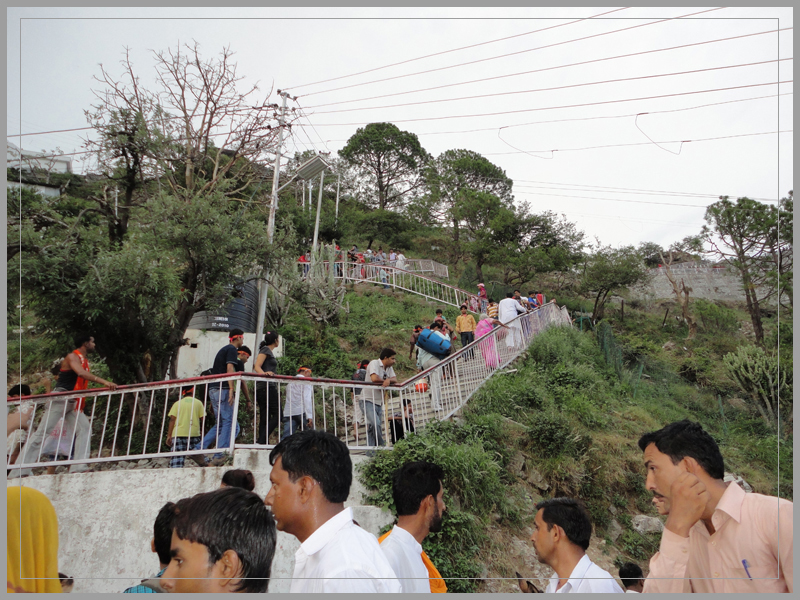 vaishno mata with Vaishno Devi Yatra 25 on Mata Vaishno Devi Package 2 Night 3 Day further Hinduism Wallpapers also Watch moreover Indiascaredsites furthermore 131832551407.