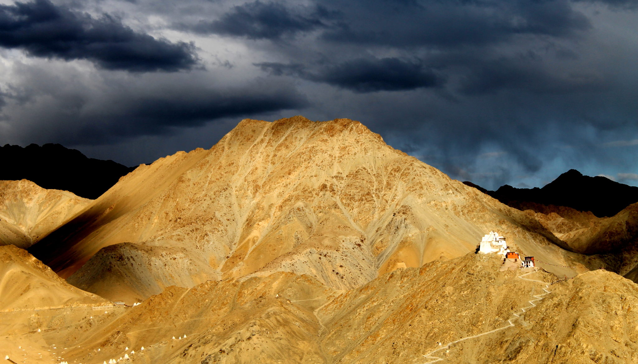 the view of the monastery above Leh Palace