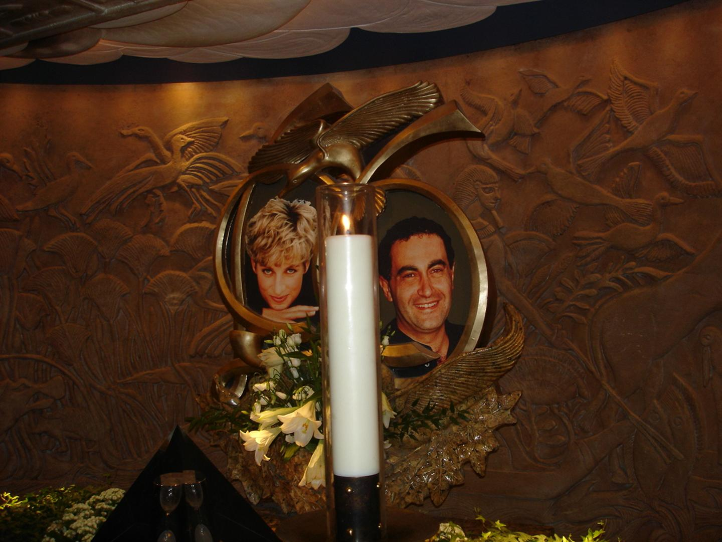 Day 6 Pic 11 - Diana & Dodi Memorial @ Harrods