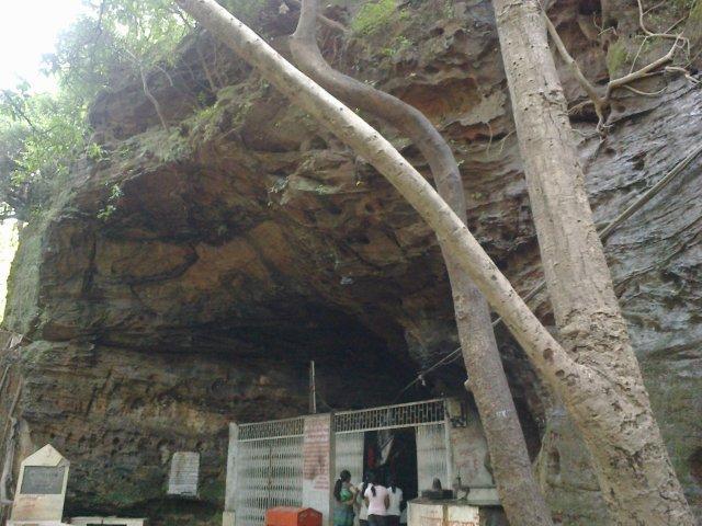 Bada Mahadev Cave