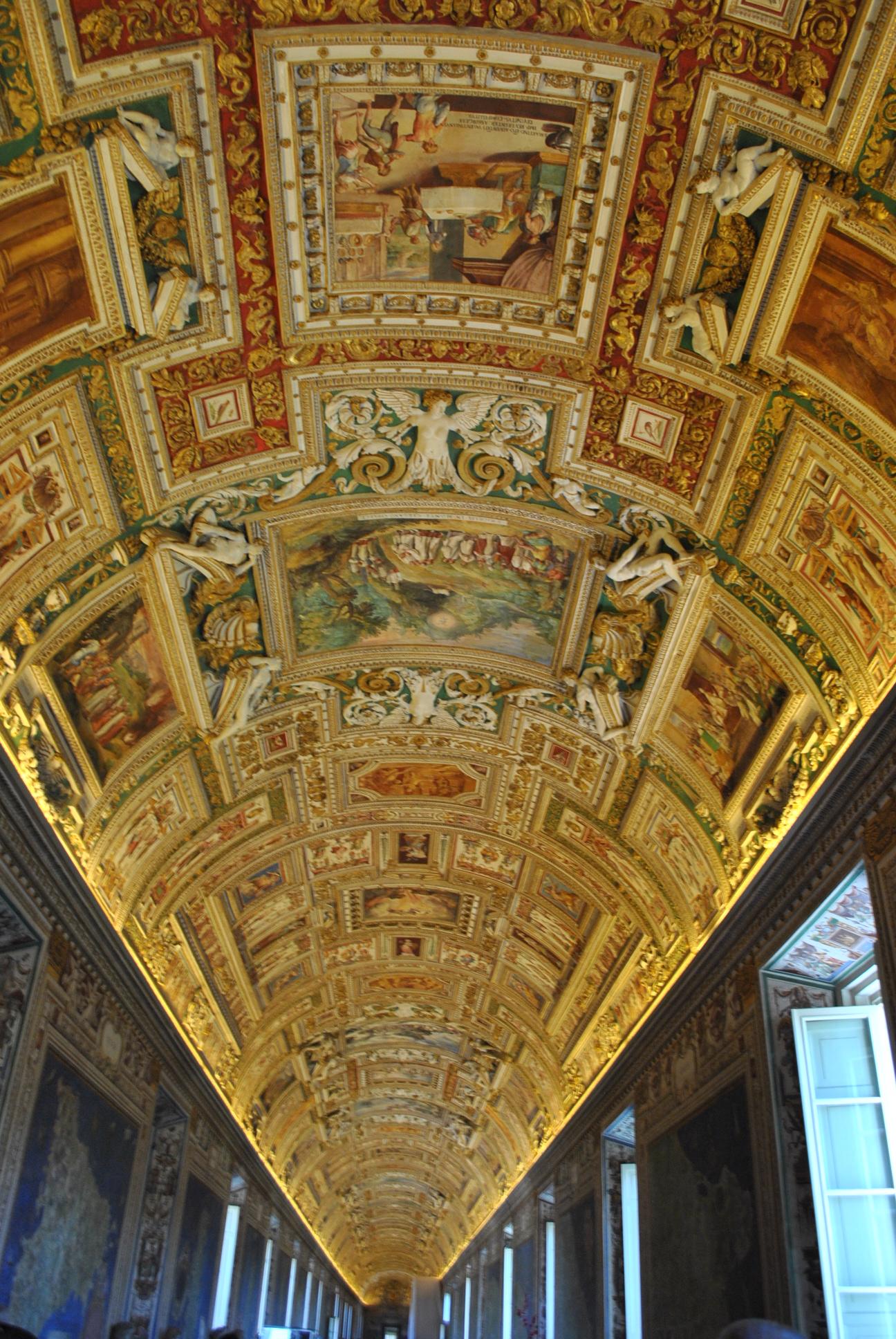 Roof paintings inside the Vatican Museums - Ghumakkar ...