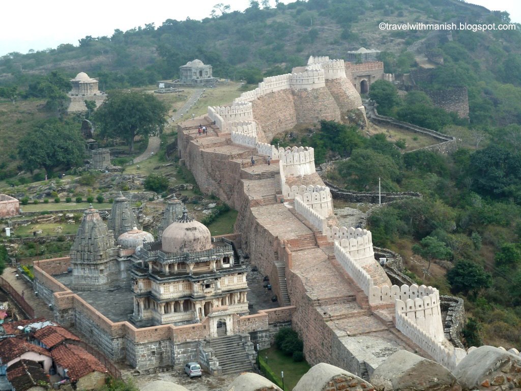 Massive fort walls at KumbhalGarh, Rajasthan