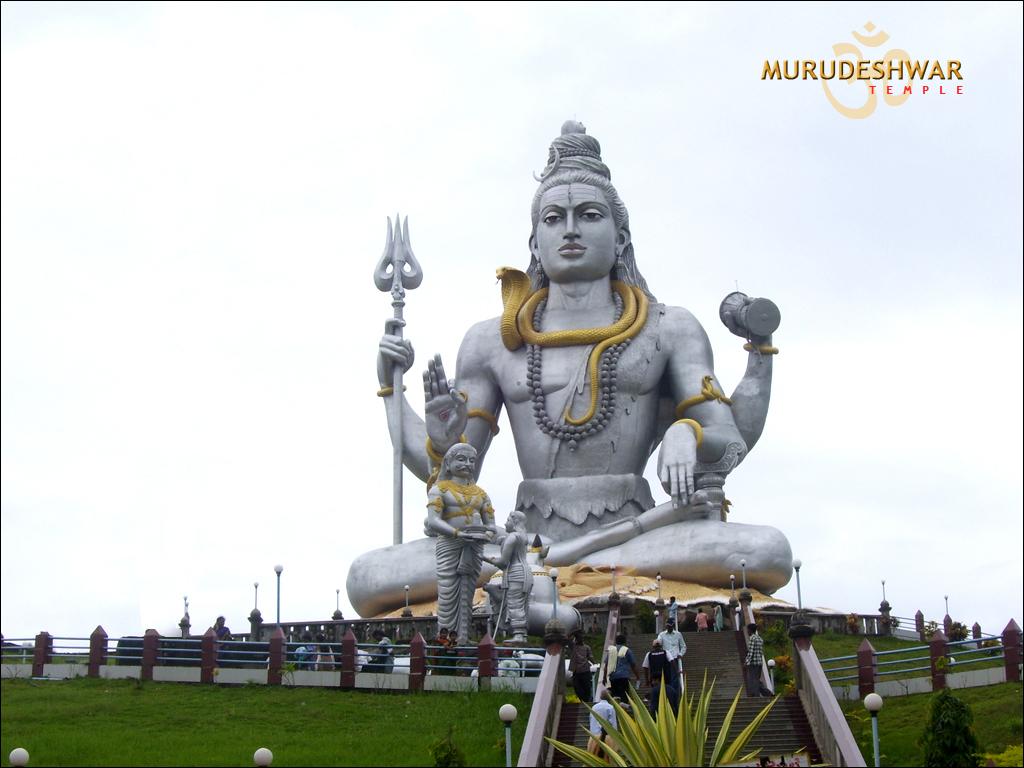 मुरुडेश्वर मंदिर में भगवान शिव की मूर्ती