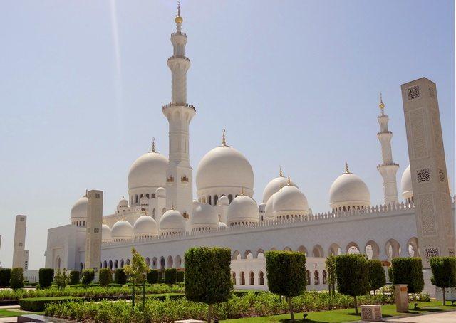 A last glimpse of the splendid edifice