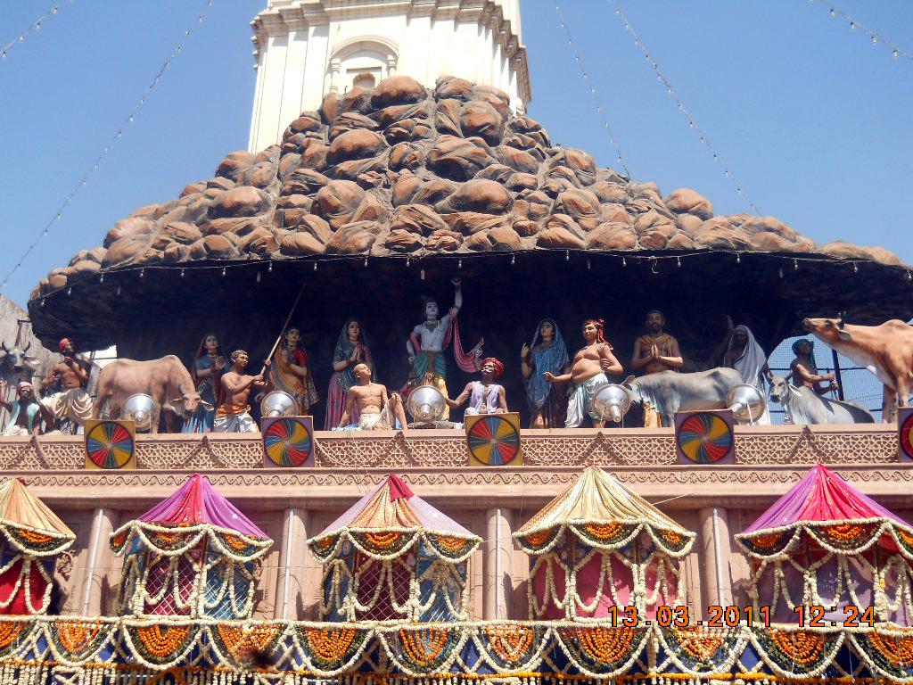 Ghumakkar Vinay Rajput 6 Govardhan g Mandir