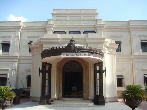 Laal Baag entrance