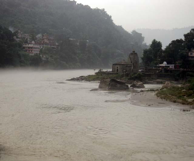Ancient temples on the bank of mesmerizing River Beas near Victoria Bridge in Mandi