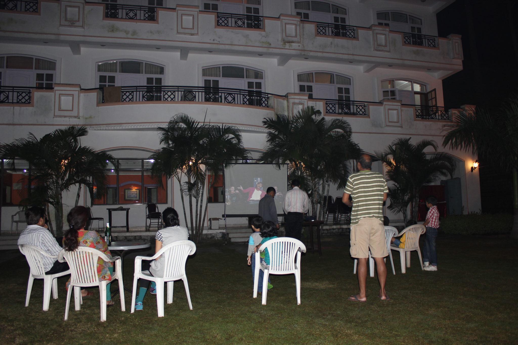 Golmaal 3 in the evening