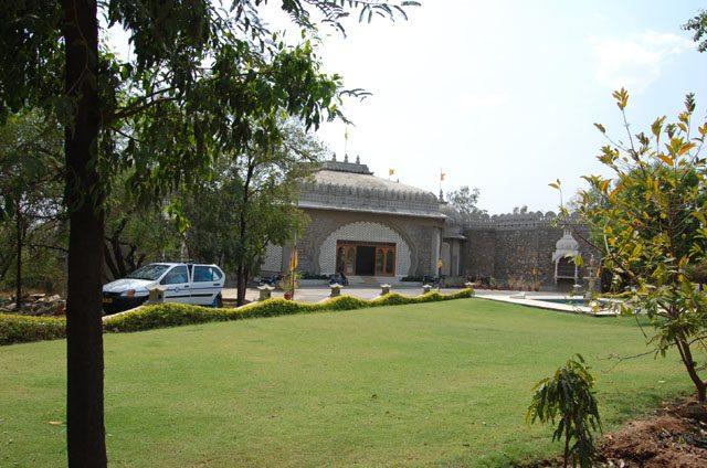 वीर स्थल, उदयपुर का प्रवेश द्वार - यह एक अच्छा संग्रहालय है।