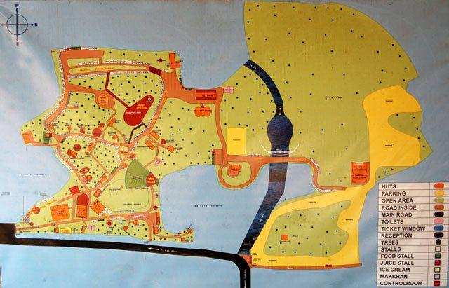शिल्पग्राम का नक्शा जो प्रवेश द्वार पर लगा हुआ पाया गया।