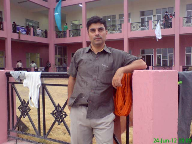 Myself posing at Yatri Niwas