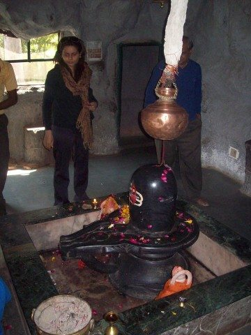 Sitamarhi , Sita Samahit Sthal : Shivalinga installed below the statue and depiction