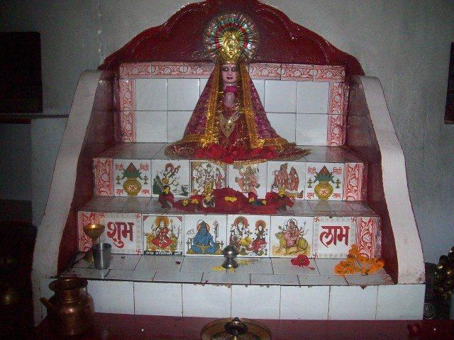 Sitamarhi , Sita Samahit Sthal : Deep Daan at this place