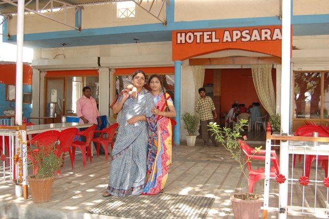 आबू रोड पर स्थित अप्सरा रेस्टोरेंट