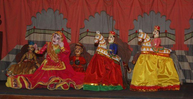 भारतीय लोक कला मंडल उदयपुर में कठपुतली शो