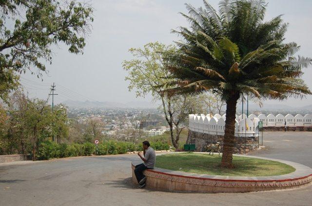 मोती मागड़ी से नीचे का दृश्य