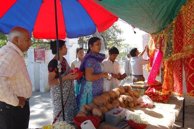 प्रसाद देना भाई !   अंबा जी माता मंदिर, उदयपुर