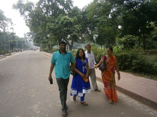 ताज महल की ओर बढ़ते कदम