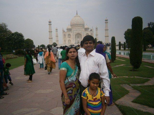 रितेश गुप्ता जी अपने परिवार के साथ