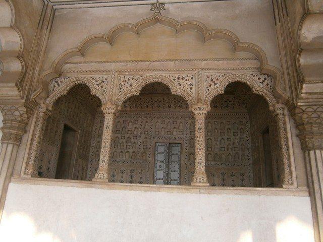 किले के अन्दर का एक दृश्य
