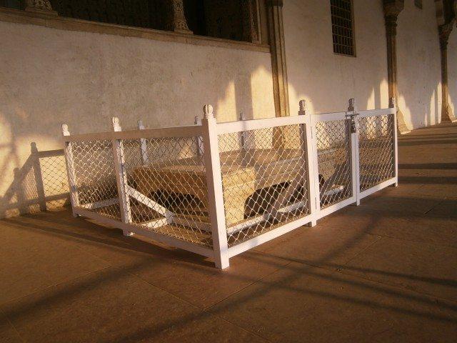 दीवाने आम स्थित बादशाह के बैठने का तखत