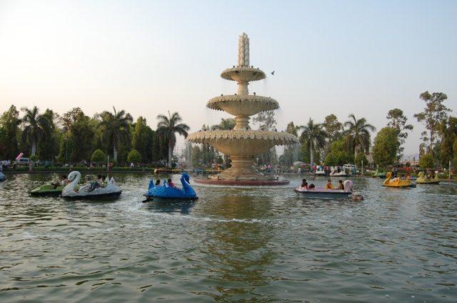 उदयपुर में शिल्पग्राम से बाहर नज़दीक ही कोई पार्क !