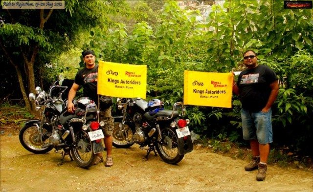 Ready to leave for sight seeing in Mount Abu - Our sponsor - Kings Auto
