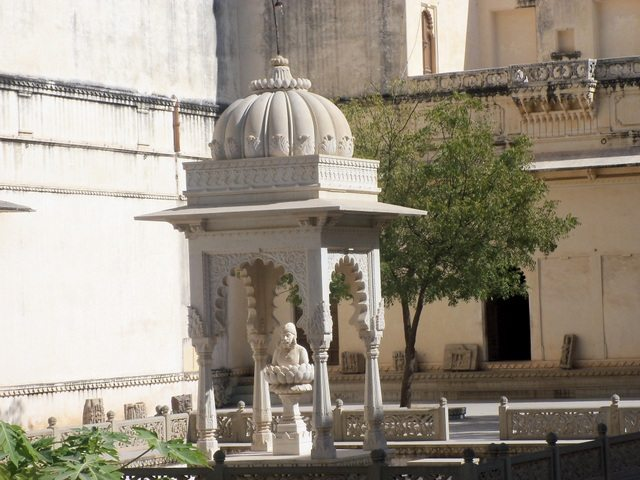 Inside Fateh Prakash Mahal